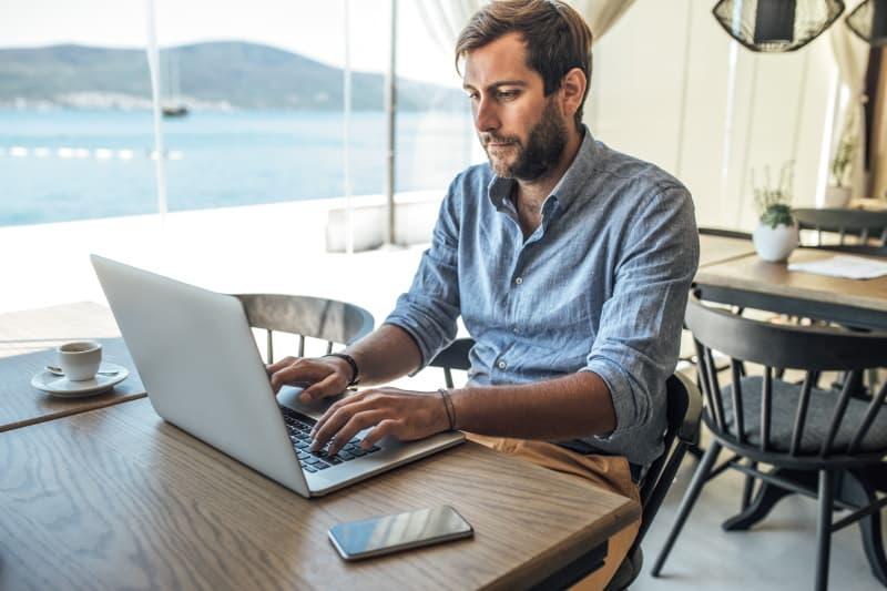 do freelance writers need a website
